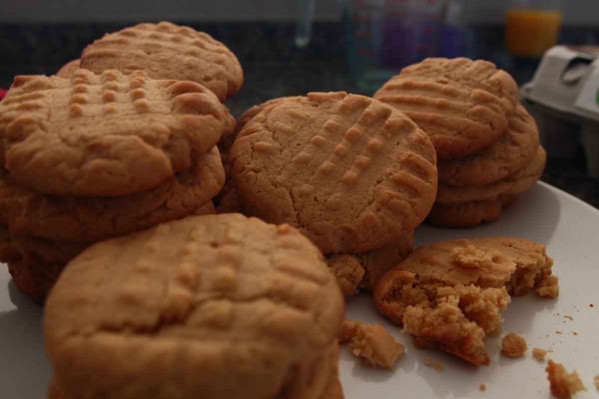 peanut butter cookies - 12 jun 2013