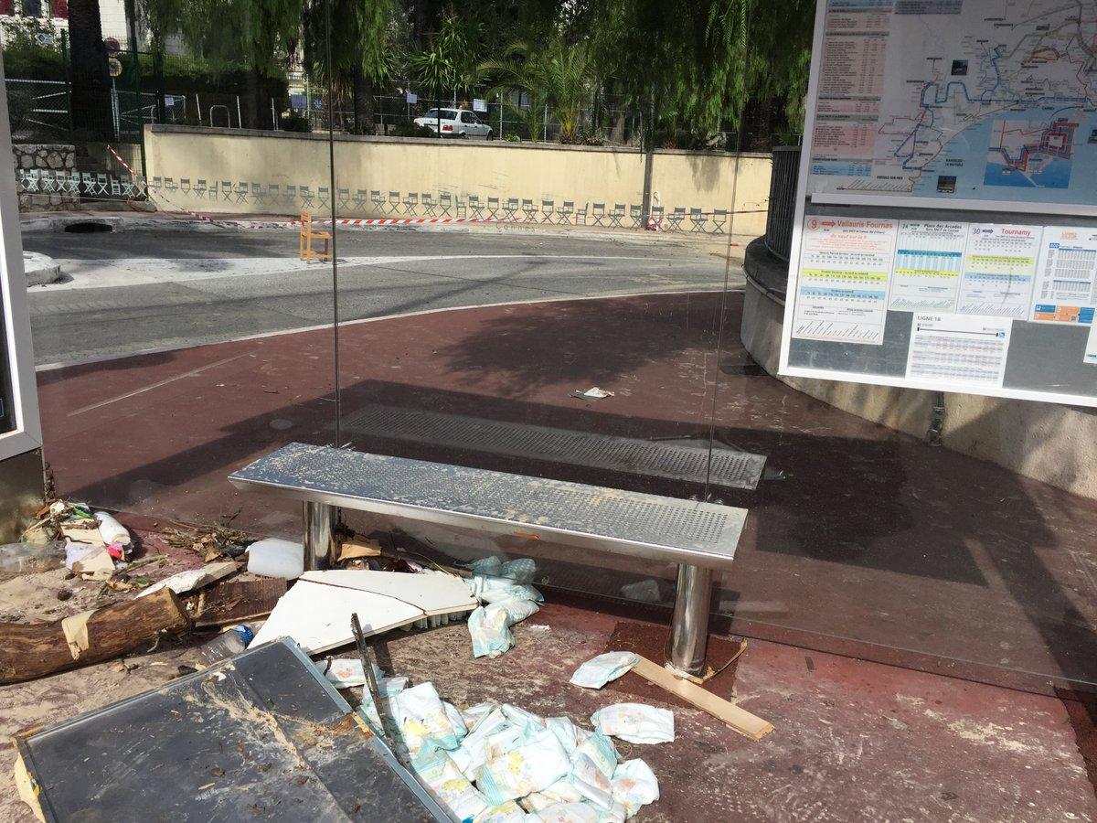 bus stop - 4 oct 2015