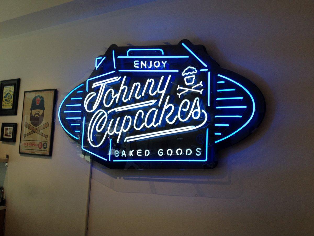 johnny cupcakes - 13 jul 2015
